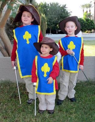 coolest-three-musketeers-group-costume-1748