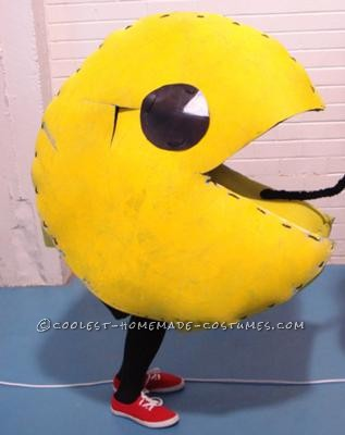After visiting a pop culture convention where some people dressed up as their favourite character, I decided to make a PAC man costume for the follow
