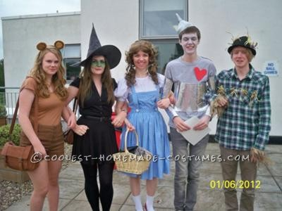 My friends and I decided on a Wizard of Oz theme for our last day of Sixth form, which is traditionally fancy dress. I am Dorothy in the middle! I o