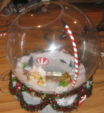 Original Snow Globe Costume (That Really Snows!) - 4