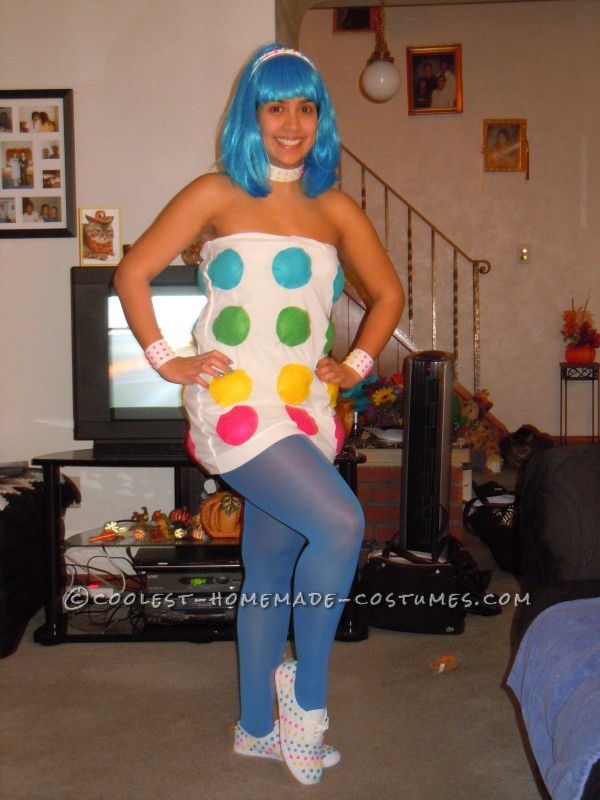 2010 was one of Katy Parry\'s best years, so I decided why not have a little fun with it on Halloween. I decided to use an outfit from her Californ