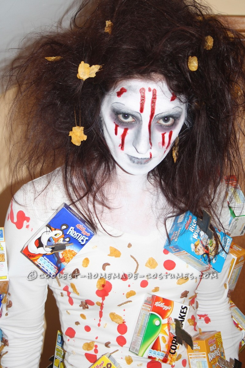 I had seen this costume done before on a much smaller scale so I decided to take it to a new level!I started by using corn flakes, bran flakes, ric