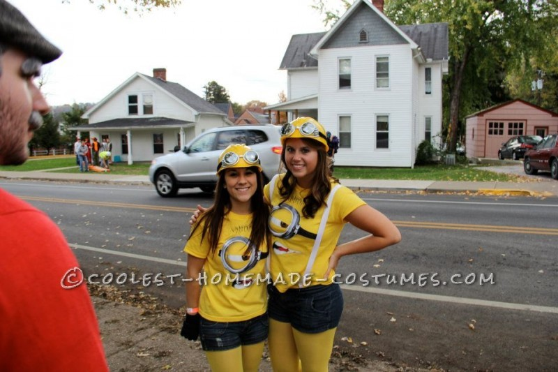 Coolest Despicable Me Minion College Girl's Group Costume - 3