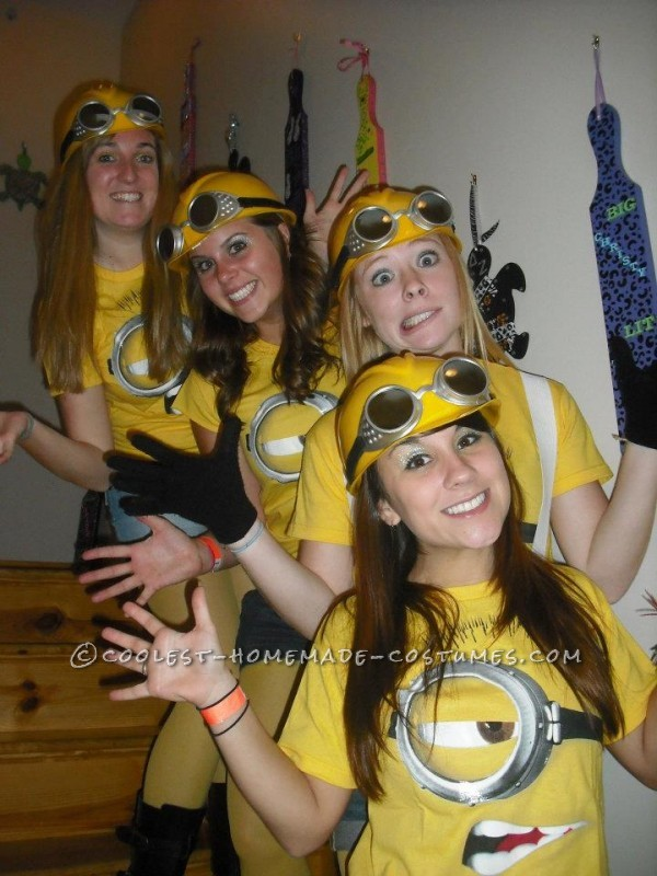 Coolest Despicable Me Minion College Girl's Group Costume - 1