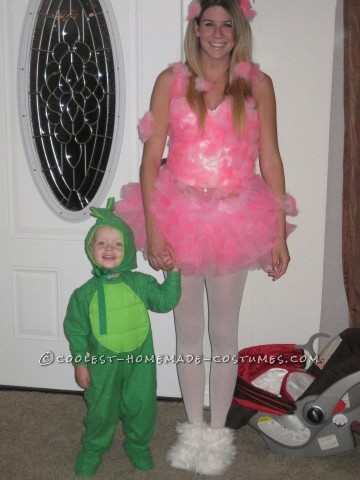 So I was inspired to make this cotton candy costume when I had seen a sorry attempt at it the year before and was determined to make my version a lit