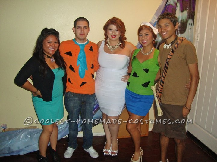 This Flintstones family idea came from me. I wanted to make a group costume but did not know of what. I usually start to think about costumes about a