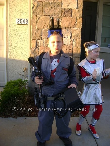 Great Ghostbuster Costume Made From Things Around the House - 4