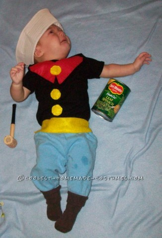 Popeye has always been my favorite, so it was an easy choice for Wy's first halloween last year. Here's what I needed:1 black onesie1