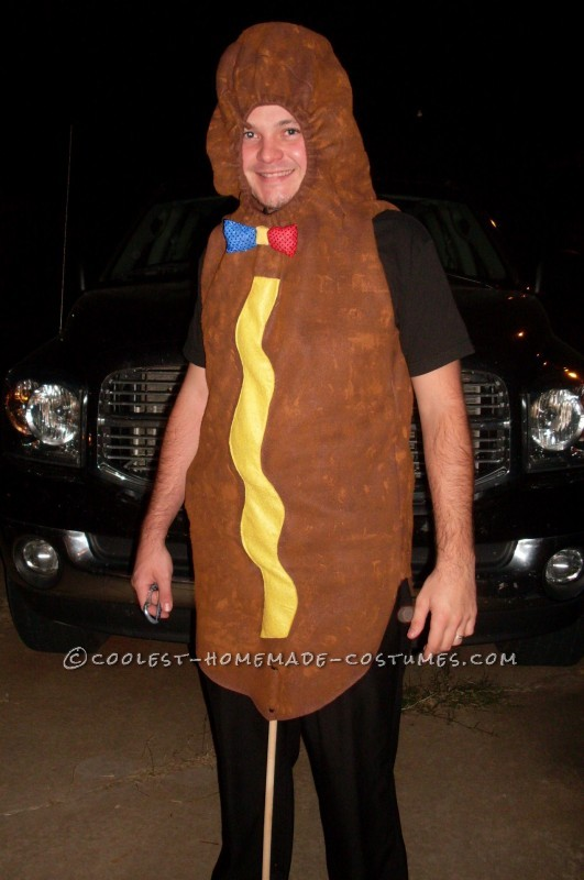 You gotta love the outfits they have to wear to work at Hot Dog on a Stick. These homemade costumes took inspiration from the fast food chain and the