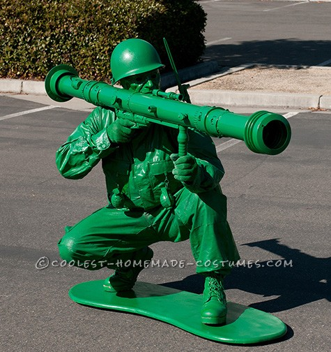 Wanted to do one of these for years... made the bazooka from plumbing parts, the walkie-talkie is from a barbie refridgerator and plumbing parts, the