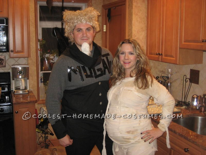 Coolest Mummy-To-Be Costume - 1