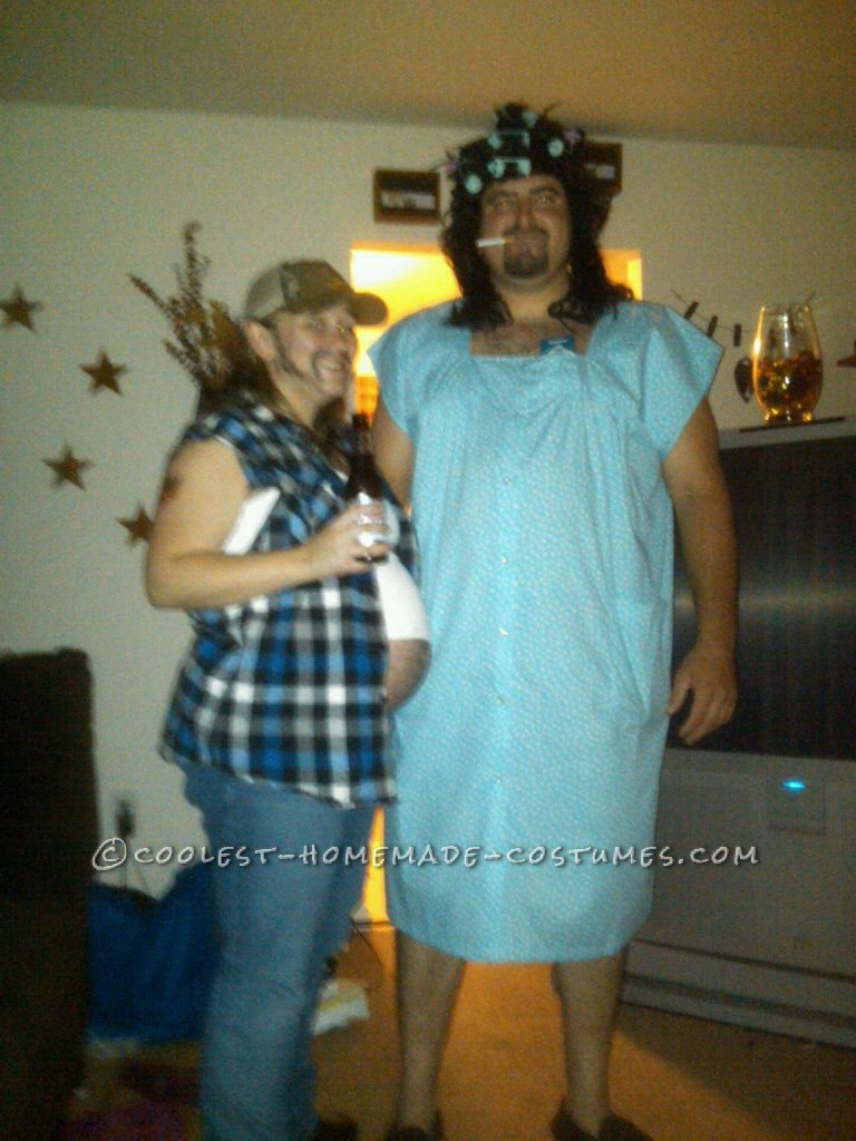 Coolest Pregnant Redneck and her Old Lady Couple Costume