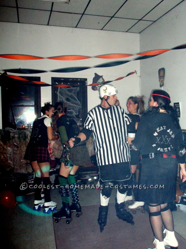 Coolest Roller Derby Group Costume - 4