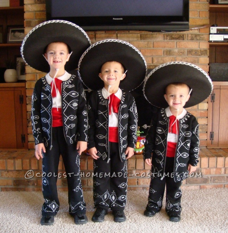 We have three little boys who are super good buddies and also very silly and funny. We tried to think of Halloween costumes that they could wear as a