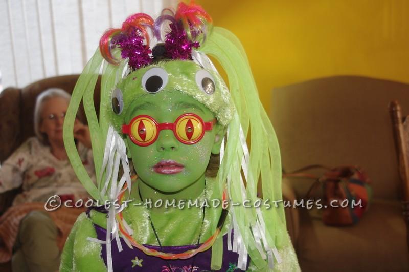 Amazing Alien Girl Costume - 5