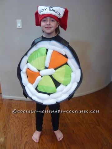 I got the idea to dress up my 8-year-old and 6-year-old daughters as a sushi roll and Chinese take out box because they both love to eat sushi (or Ca