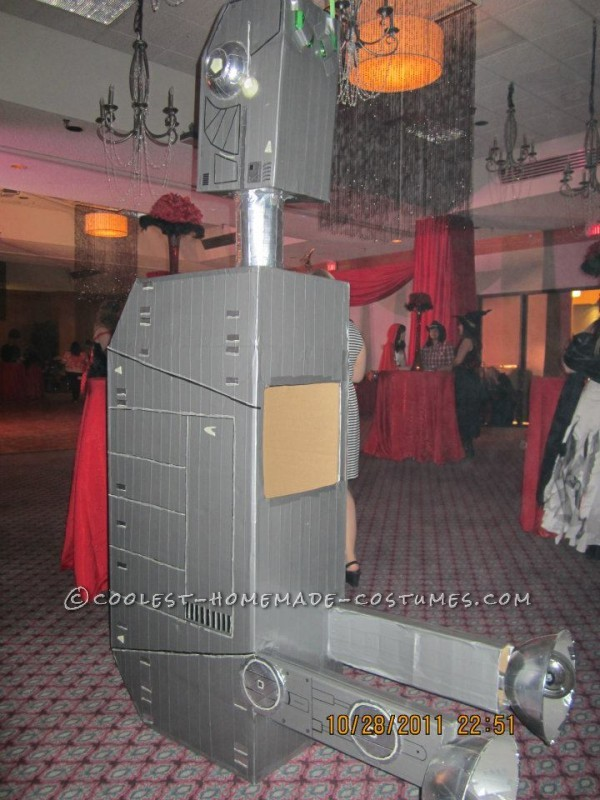 AT-AT can rest vertically