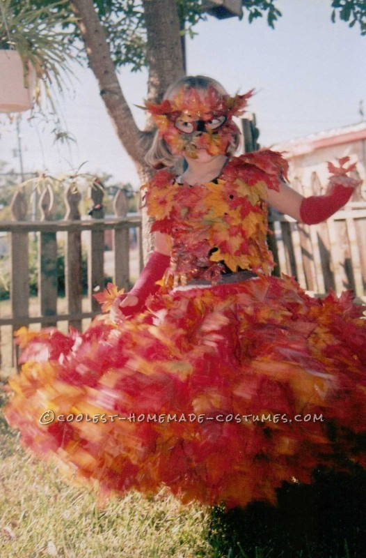 Beautiful Pile of Fall Leaves Costume - 3