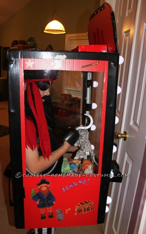 Coolest Homemade Captain Claw Pirate Crane Machine Costume
