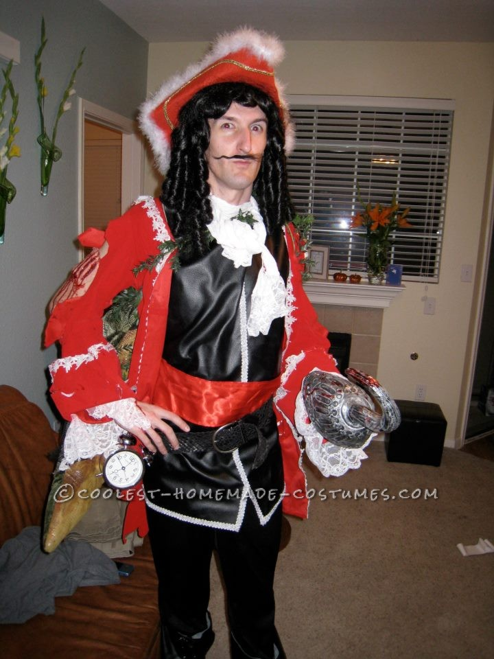I always thought it'd be a cool idea to do a Disney villain, and when I thought of doing Captain Hook, I wanted to stand out fro