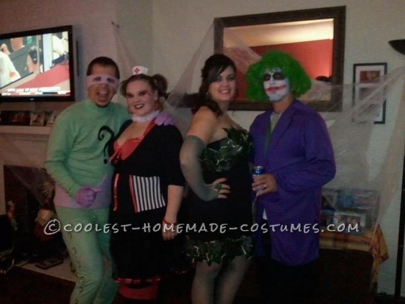 riddler, harley quinn and poison ivy, Joker was bought