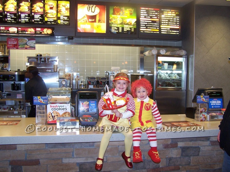 Fun Kids Couple Costume: Ronald McDonald and His Little Server Girl - 5