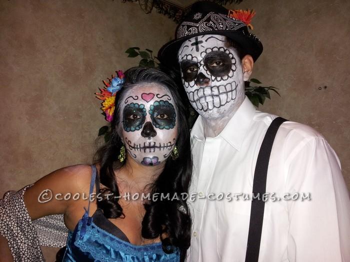 Great Dia de Los Muertos Couple Halloween Costume