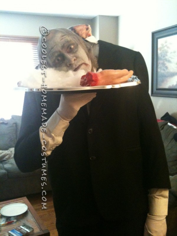 I like the idea of headless costumes and never want to spend a fortune on costumes. So I decided to make a waiter serving...well me!i hate when cos