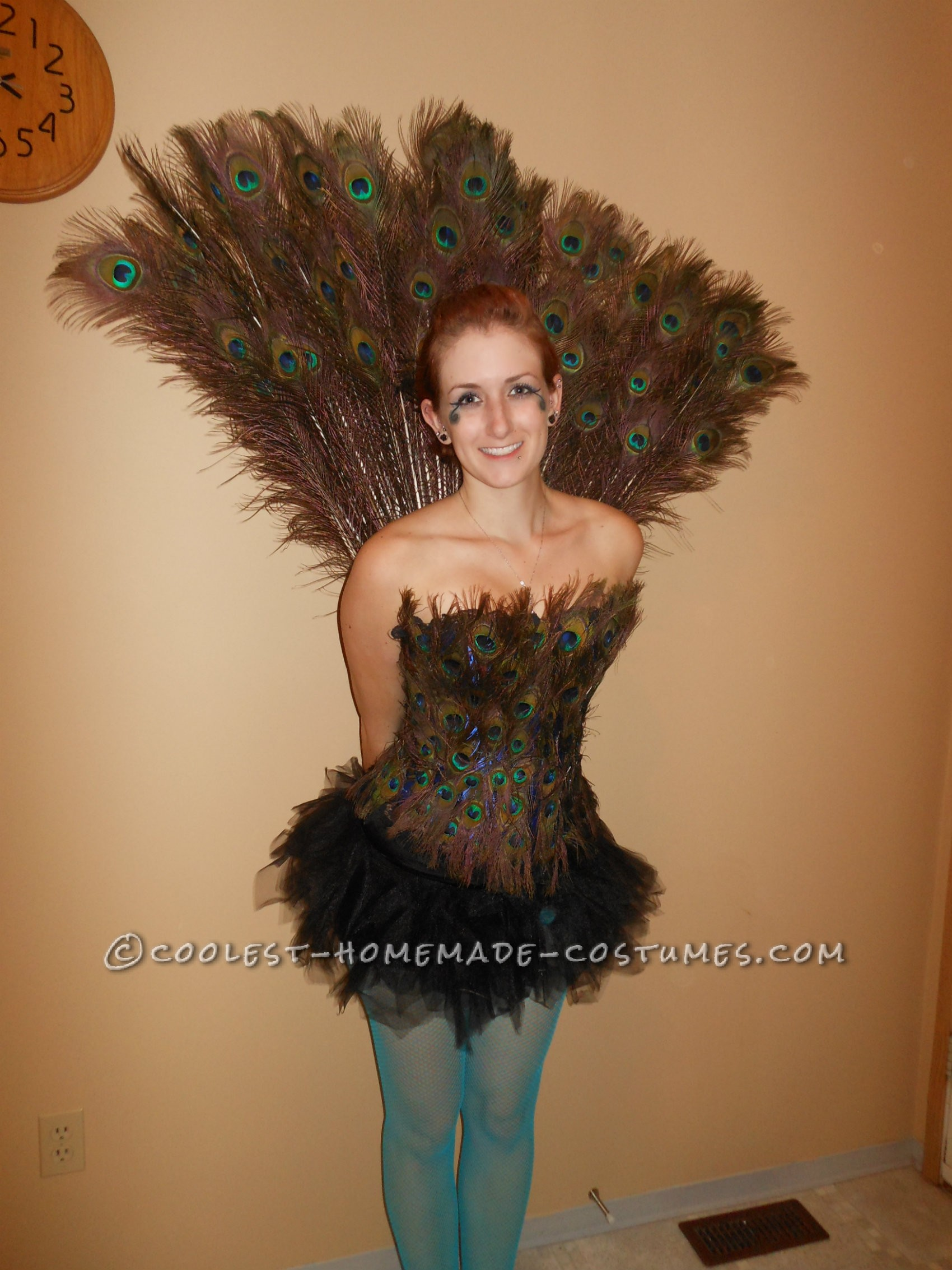 I have wanted to be a peacock for Halloween for several years now, and this year I finally decided to make my dream come true and make my own peacock