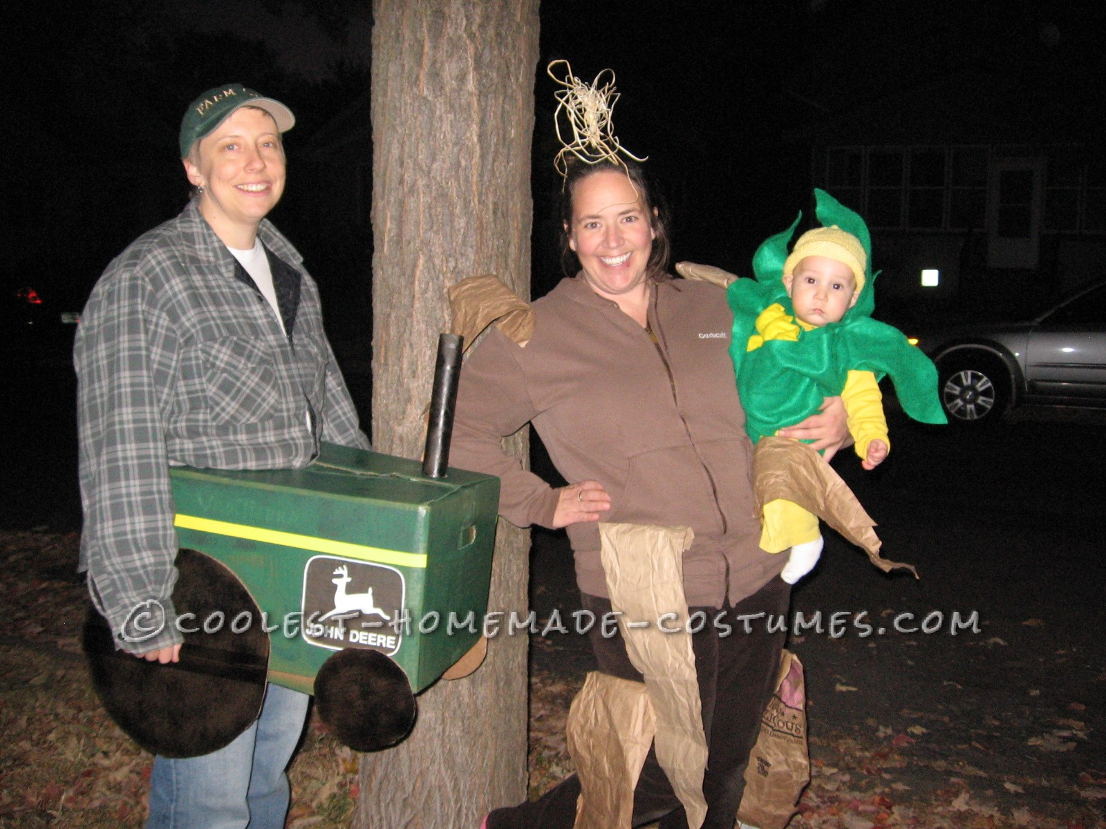cool family costume celebrates iowa corn!