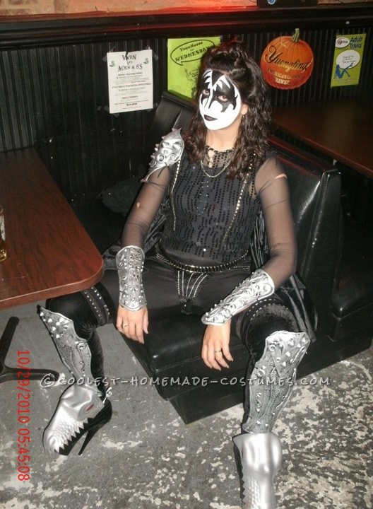 Coolest Lady Gene Simmons on the Fly Halloween Costume - 3