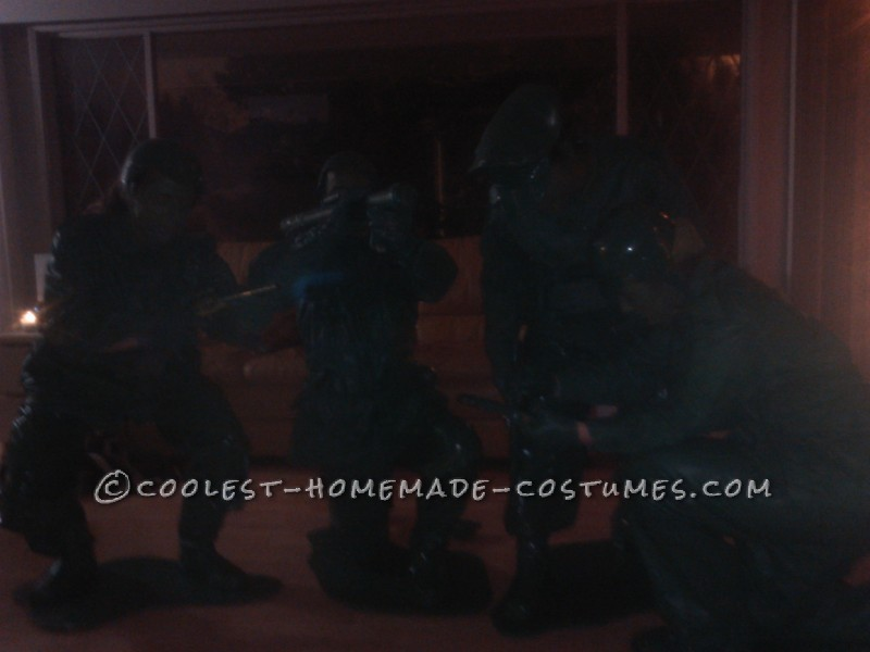 Great Group Halloween Costume: Green Toy Soldiers - 2