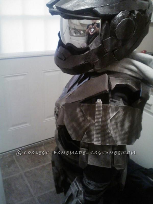 Epic Homemade Halo Reach Spartan Costume - 4