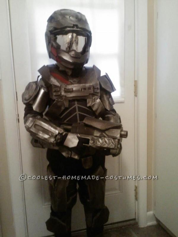 Epic Homemade Halo Reach Spartan Costume