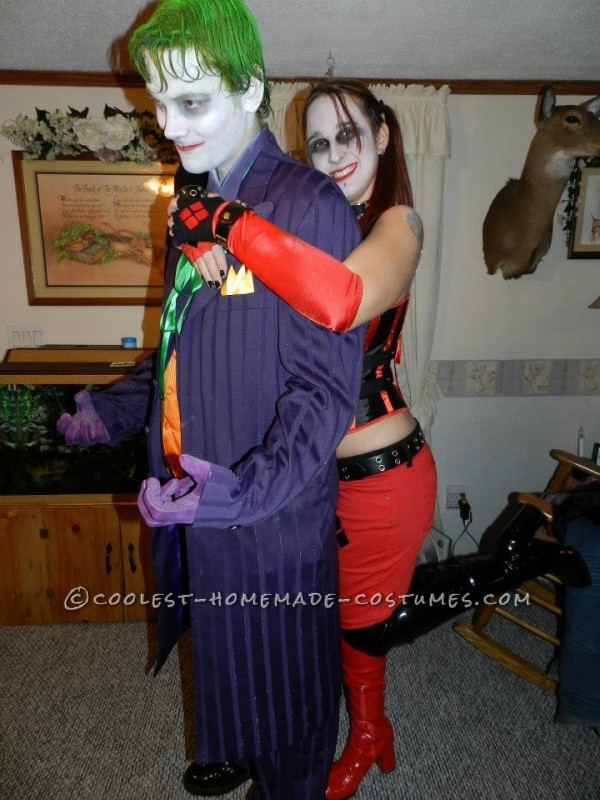 Harley loves the Joker but I dont think its mutual.