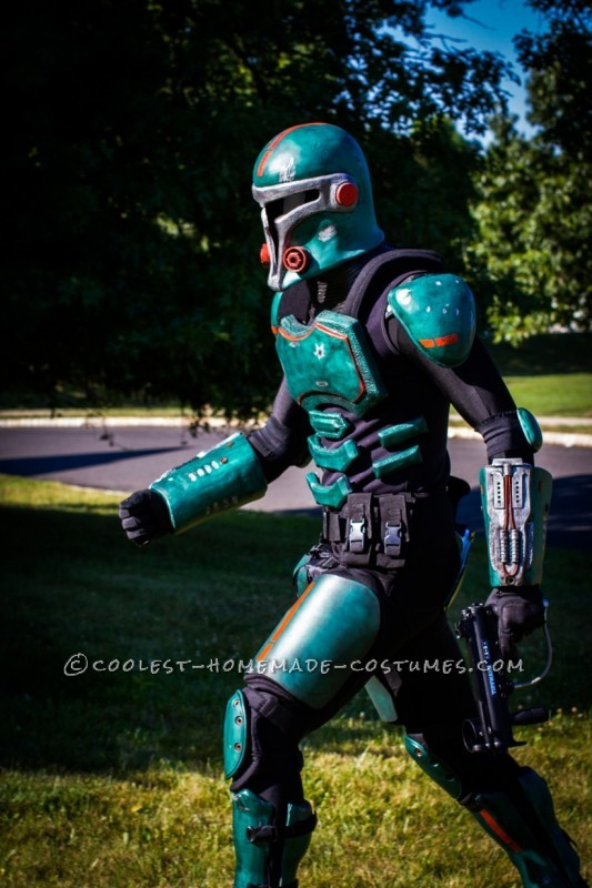Amazing Hollywood Quality Sci-Fi Armor - All Homemade!