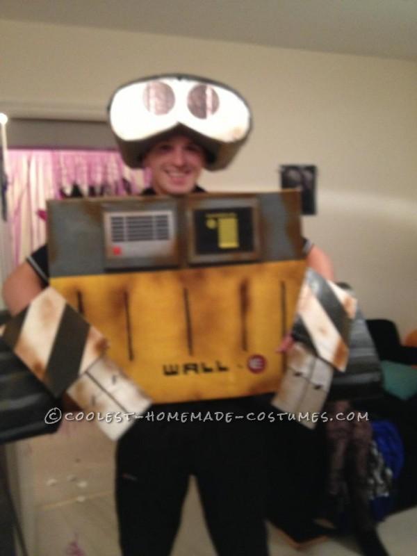 Homemade Wall-E Halloween Costume - 1