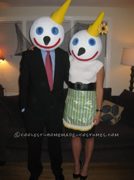 Coolest Jack-in-the-Box Family Costume - 1