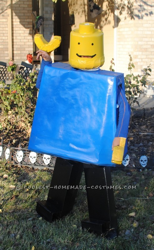 Cardboard Boxes, Yellow and BlueSpray Paint, Plastic Bucket from WalMart and Tuna Can The hardest part of this costume was getting the head ri