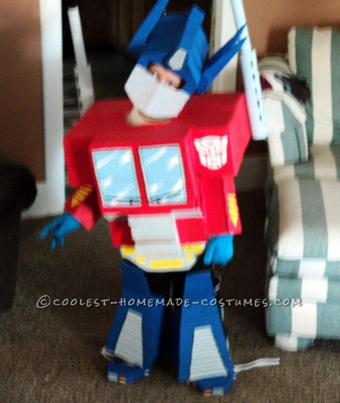 My 5 year old nephew is nutso crazy about the transformers! I kinda hafta add that i too love them dearly (heh). I've made his costume one time befo