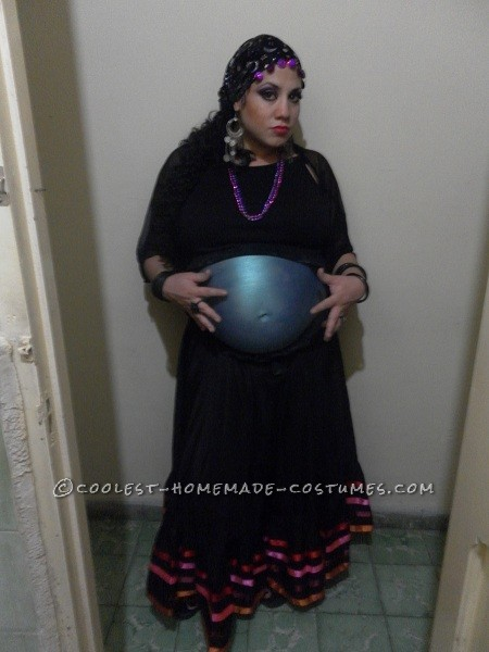 Original Costume for a Pregnant Woman: Crystal Ball Belly!