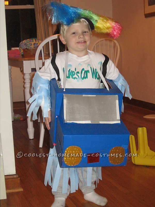 Easy and Cheap Homemade Costume Idea: Car Wash! - 1
