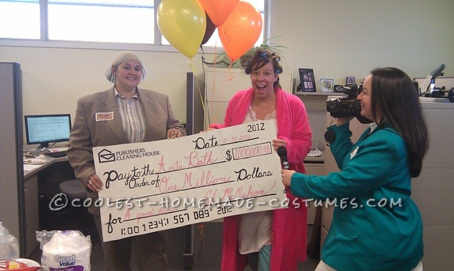 Great Last-Minute Group Costume: Publishers Clearing House