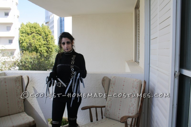 Cool and Easy-to-Make Edward Scissorhands Costume - 1