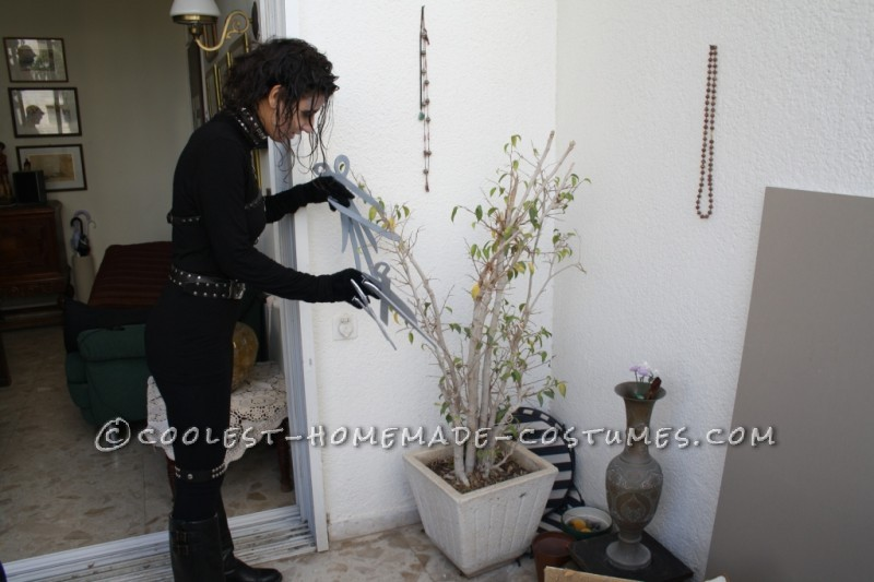 Cool and Easy-to-Make Edward Scissorhands Costume - 2