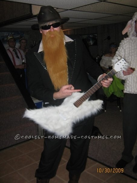 I had been on a long streak of rock n roll inspired costumes.  ZZ Top has such an iconic look and they're practically wearing costumes in