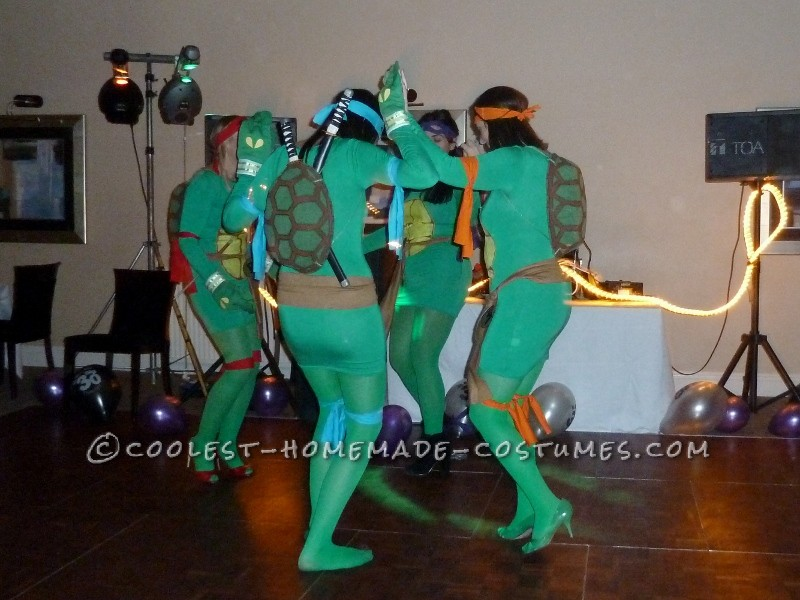 The turtles throwing some shapes on the dance floor!