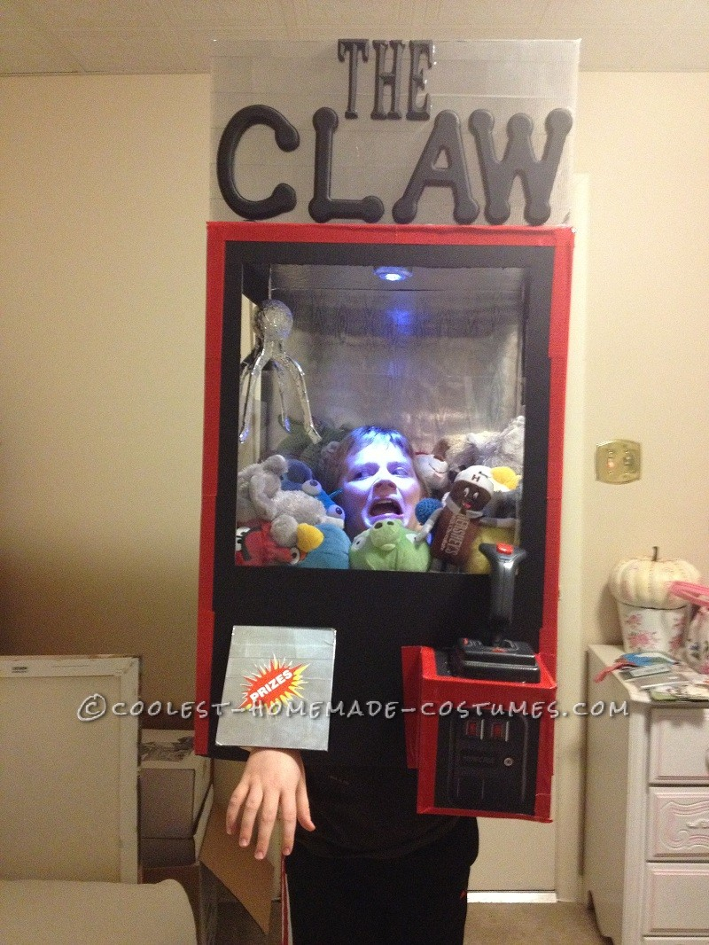 Intimidating Costume Idea Results in Kudos for Mom: The Claw Machine