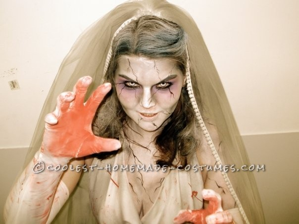 Pretty Zombie Bride Makeup Images & Pictures - Becuo