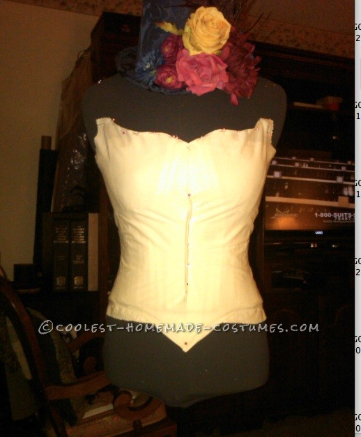 Lined stays for the bodice